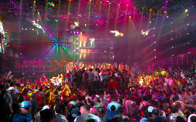 Platinum Coco Bongo Show And Disco